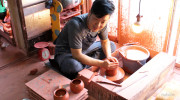 Mr. Tatsuo Umehara, a third-generation potter of the Hokuryu Kiln upholding traditional handmade methods of teapot-making. He shared the appeal of Hokuryu Kiln teapots with us while showing us the […]
