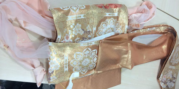 "I attended ""How to make a tied obi (kimono belt)"" seminar the other day. A tied obi is the one to be made obi tying part such as puffed-out-bow(drum bow) […]"
